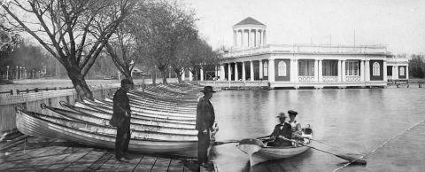 Lake Harriet pavilion and boat dock, 1905