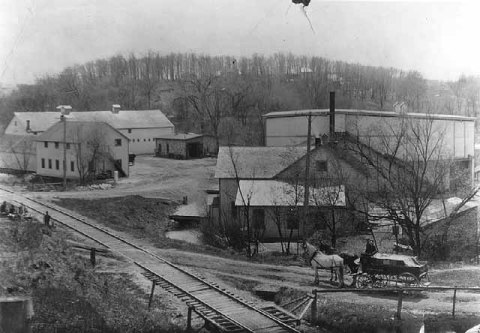 The Glenwood-Inglewood Company, 1910. The Genwood and Inglewood springs were on adjacent property and run as separate water companies until about 1896. (Minnesota Historical Society)