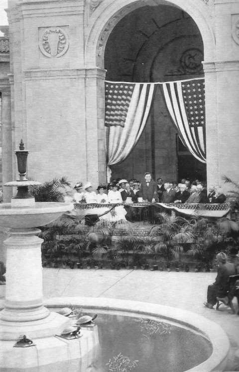 As president of the park board, Deming presided over the dedication of The Gateway in 1915. He also commanded the podium at the dedication of two other memorials that year, one to Thomas Lowry at Virgina Ttriangle; the other to Gustav Wennerburg at Minnehaha Park. (MPRB)