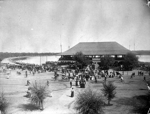 First pavilion built on the Lake Harriet shoreline in 1892. The pavilion ws designed by Harry Wild Jones. (Minnesota Historical Society)