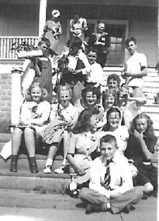 An informal class photo at Edith Cavell School from 1944 or 1945. (Photo courtesy of Virginia [Dregger]Dantona)