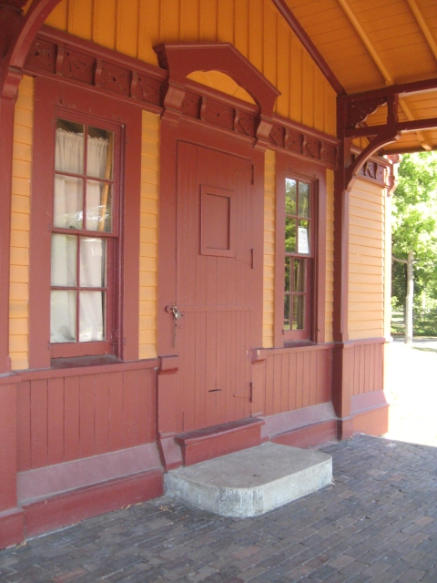 Closeup of trim on Princess Depot at Minnehaha Falls. (Richard Kronick.)