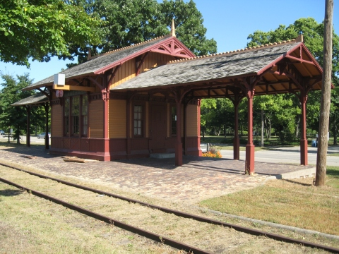 Princess Depot at Minnehaha Falls (Richard Kronick)