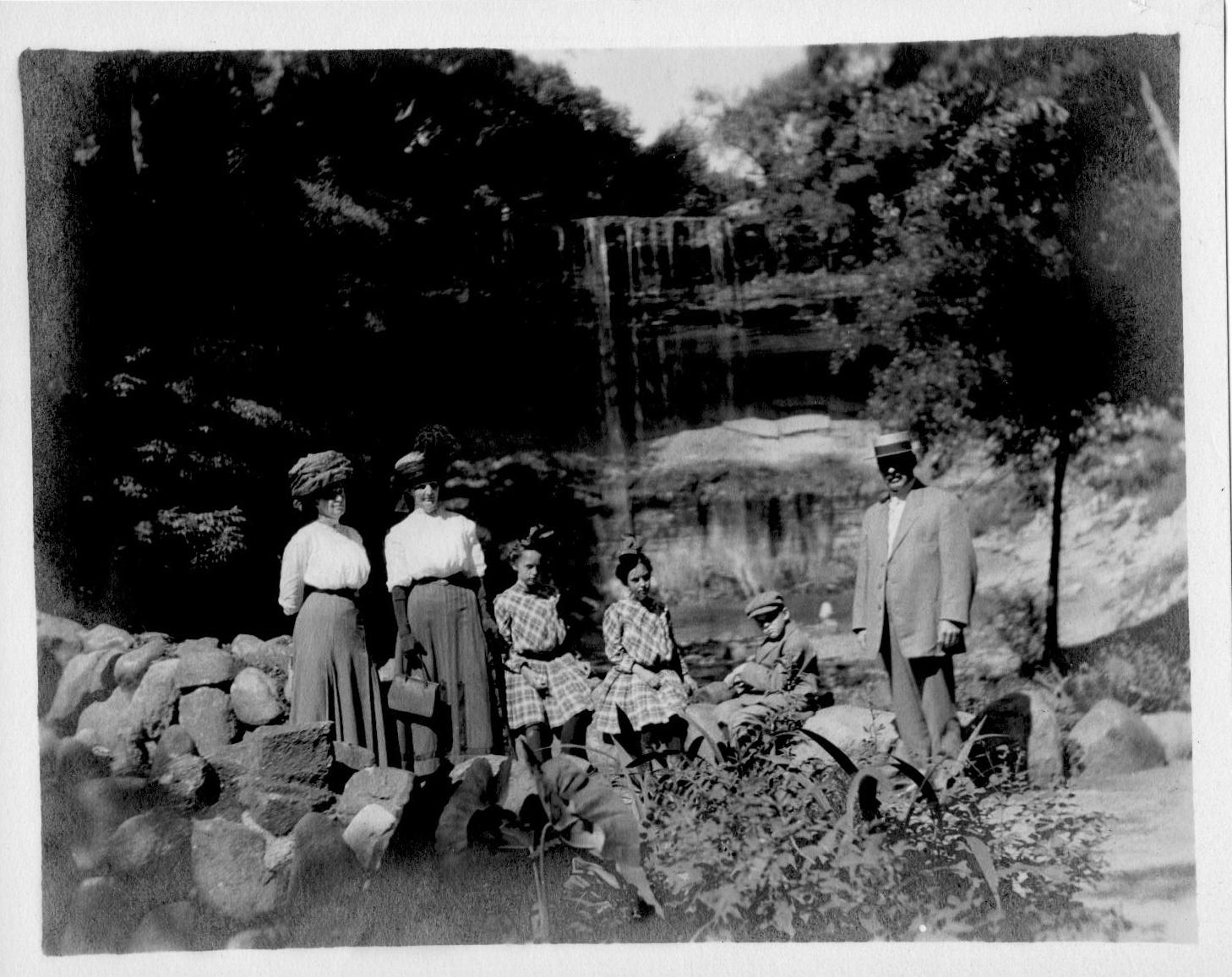 1912 ca. Falls Scott