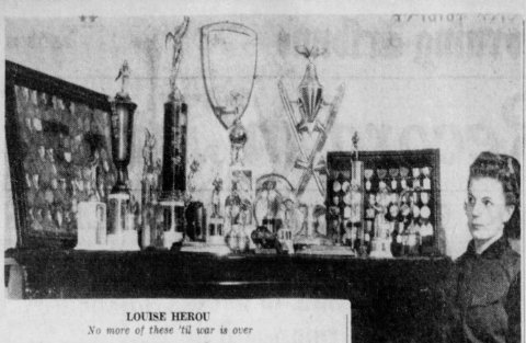 1943-03-09 Star_Tribune Herou with her medals and trophies
